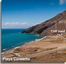 Cliff road to the lighthouse and Playa Coralette