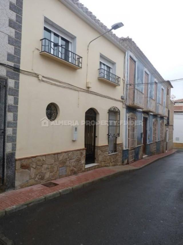 4 Bedroom Town house in Albox
