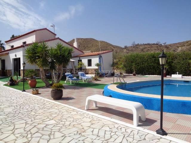Country house in Arboleas, Almería