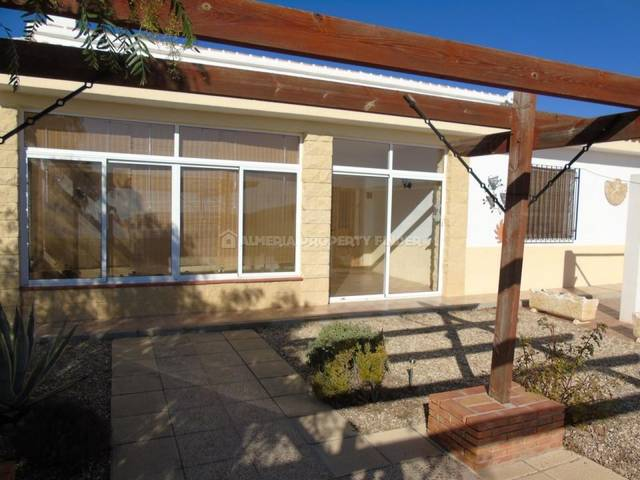APF-3363: Villa for Sale in Saliente Alto, Almería