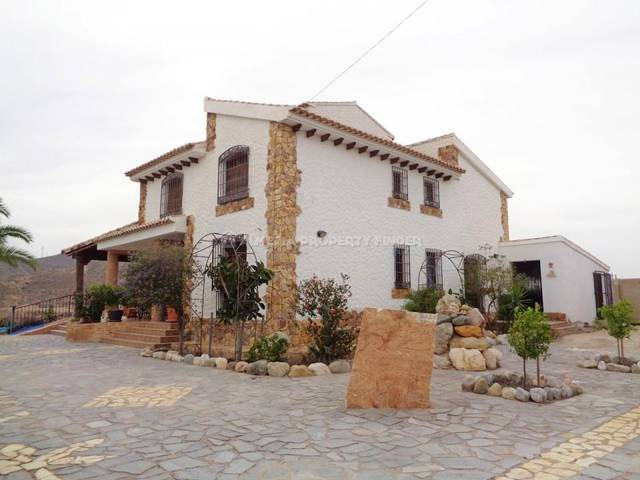Country house in La Alfoquia, Almería