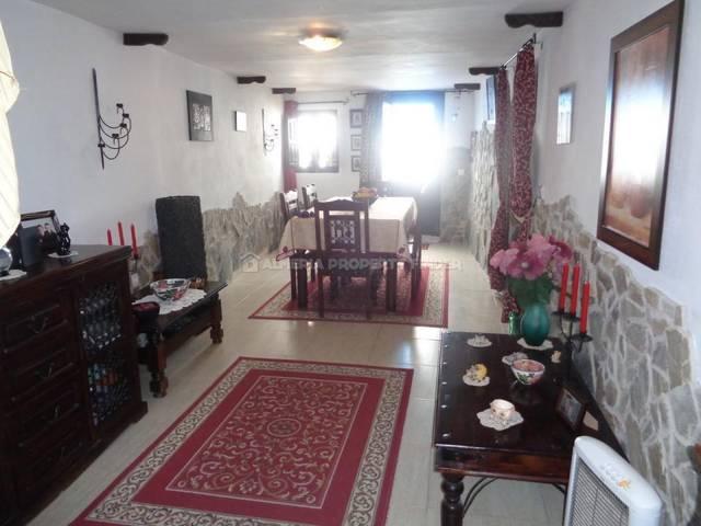 APF-2667: Town house for Sale in Somontin, Almería