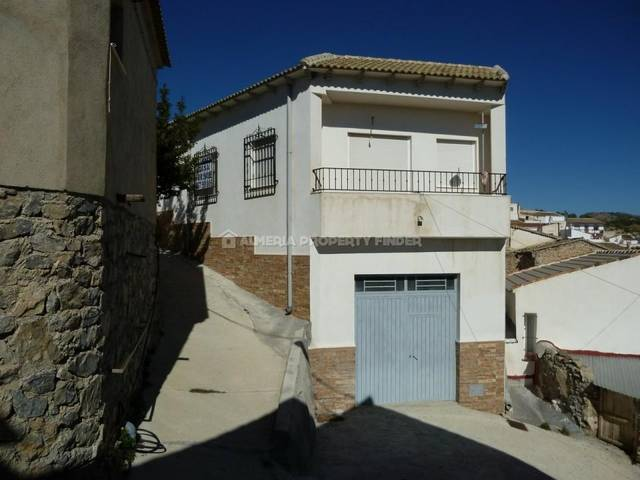 3 Bedroom Town house in Lucar
