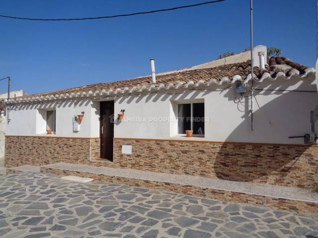 2 Bedroom Country house in El Margen