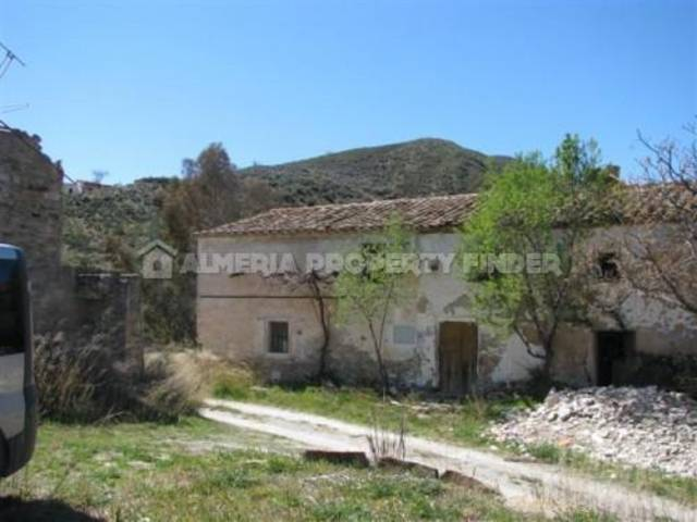Country house in Lubrin, Almería