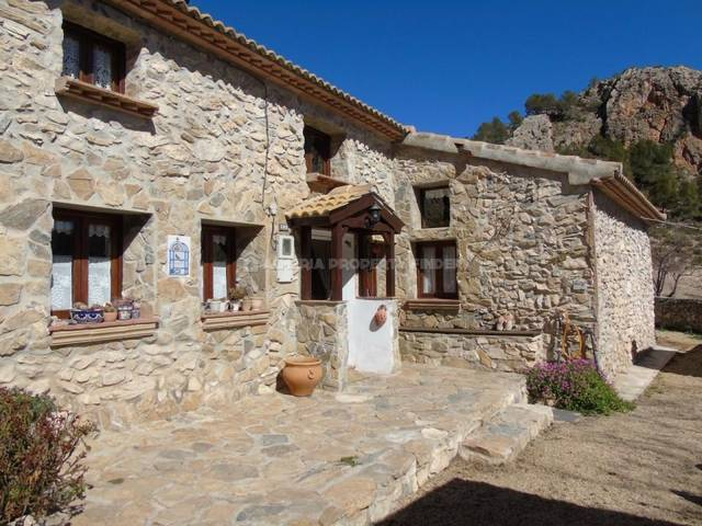 Country house in Purchena, Almería