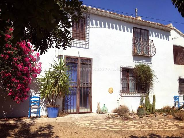 4 Bedroom Country house in Saliente Alto