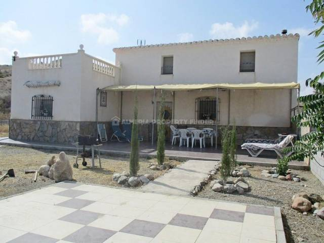 6 Bedroom Country house in Taberno