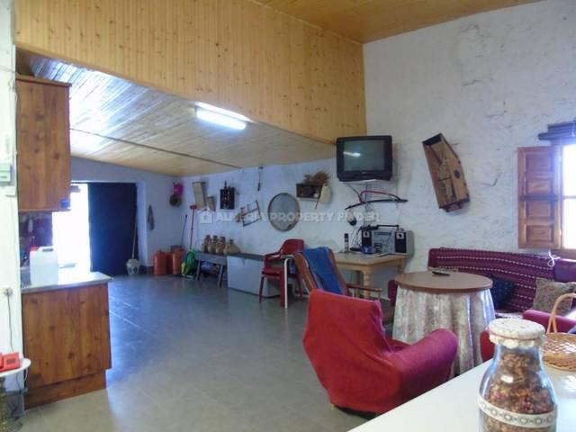 APF-4242: Country house for Sale in Saliente Alto, Almería