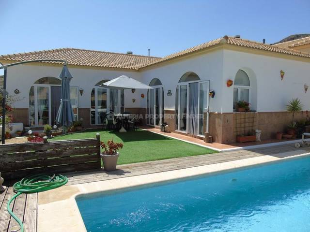 3 Bedroom Villa in Oria