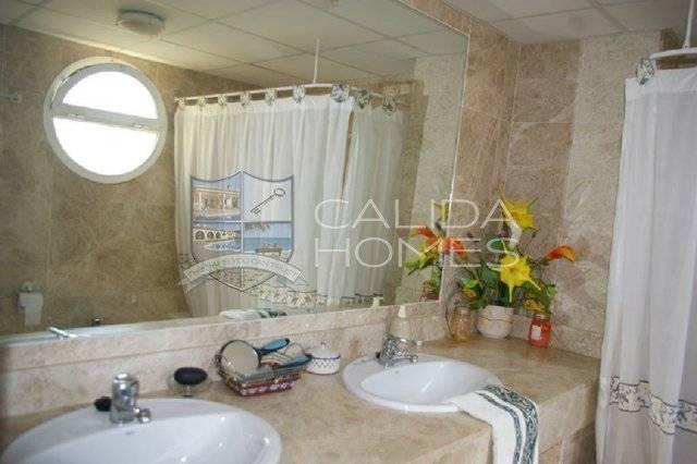 cla 7124: Villa for Sale in Vera, Almería