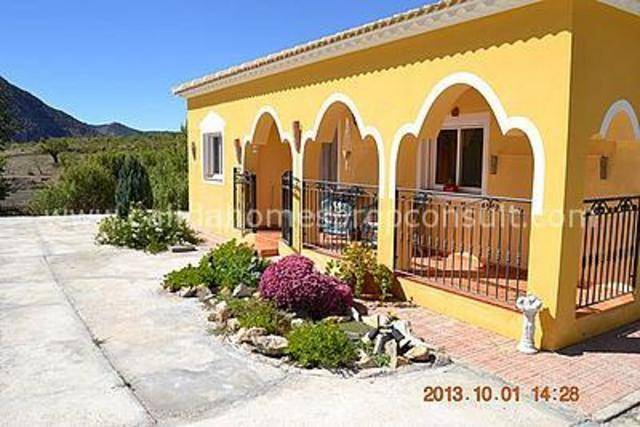 3 Bedroom Villa in La Alqueria (Velez Rubio)