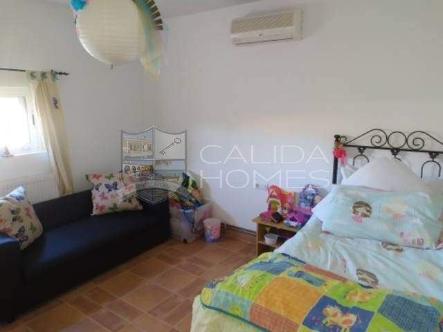 cla7328: Villa for Sale in Partaloa, Almería