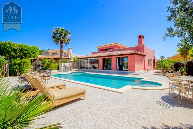 Villa in Desert Springs, Almería