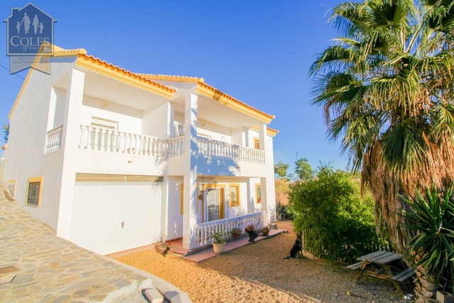 4 Bedroom Cortijo in Taberno