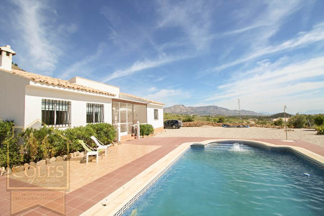 RUB3VS01: Villa for Sale in Velez Rubio, Almería