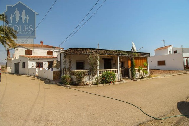 LOB3C02: Cortijo for Sale in Los Lobos, Almería