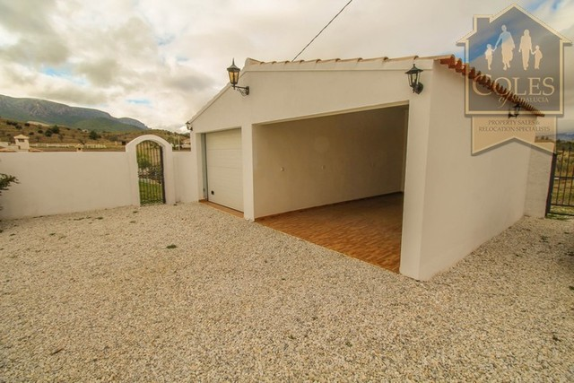 RUB4V05: Villa for Sale in Velez Rubio, Almería