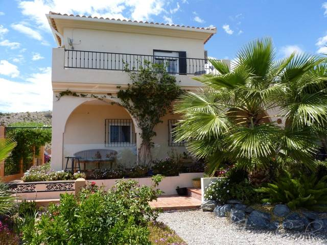 IMC 1170: Country house for Sale in Albox, Almería