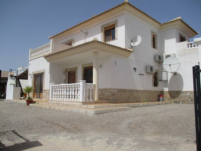 IMC 1058: Villa for Sale in Arboleas, Almería