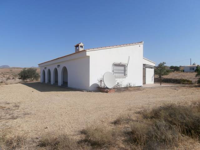 IMC 1074: Country house for Sale in Albox, Almería