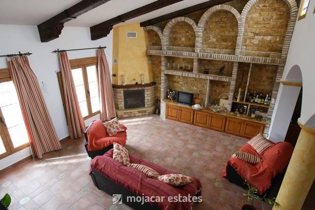 Country house in Urcal, Almería