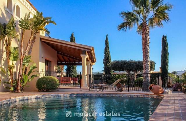 3 Bedroom Villa in Vera Playa