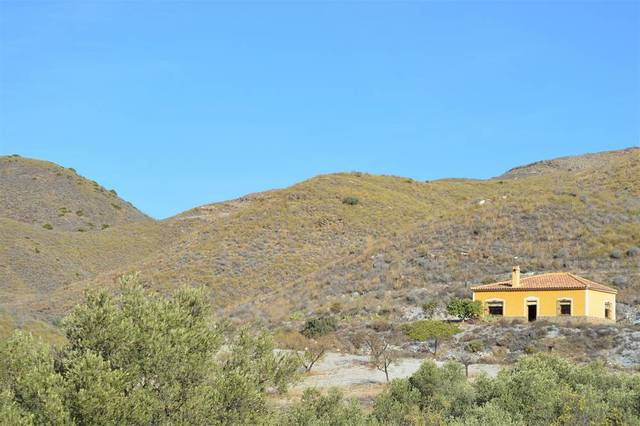 2 Bedroom Cortijo in Lubrin