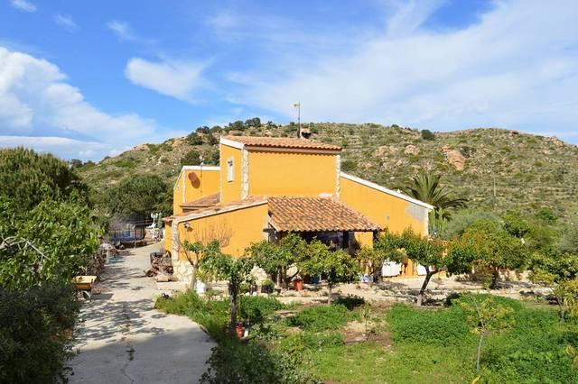 OLV1707: Commercial property for Sale in Lubrin, Almería