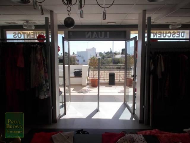 C646: Commercial property for Sale in Mojácar, Almería