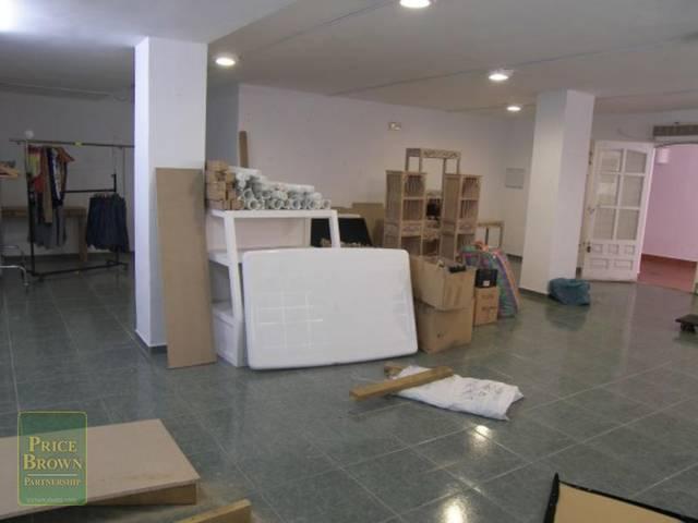 C644: Commercial property for Sale in Mojácar, Almería