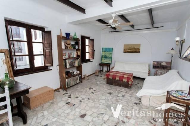 VHCO 2348: Commercial property for Sale in Mojácar, Almería