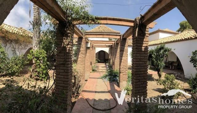 VHVL 1947: Villa for Sale in Mojácar Playa, Almeria